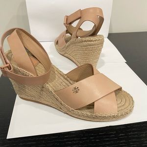 Gorgeous Tory Burch Wedges
